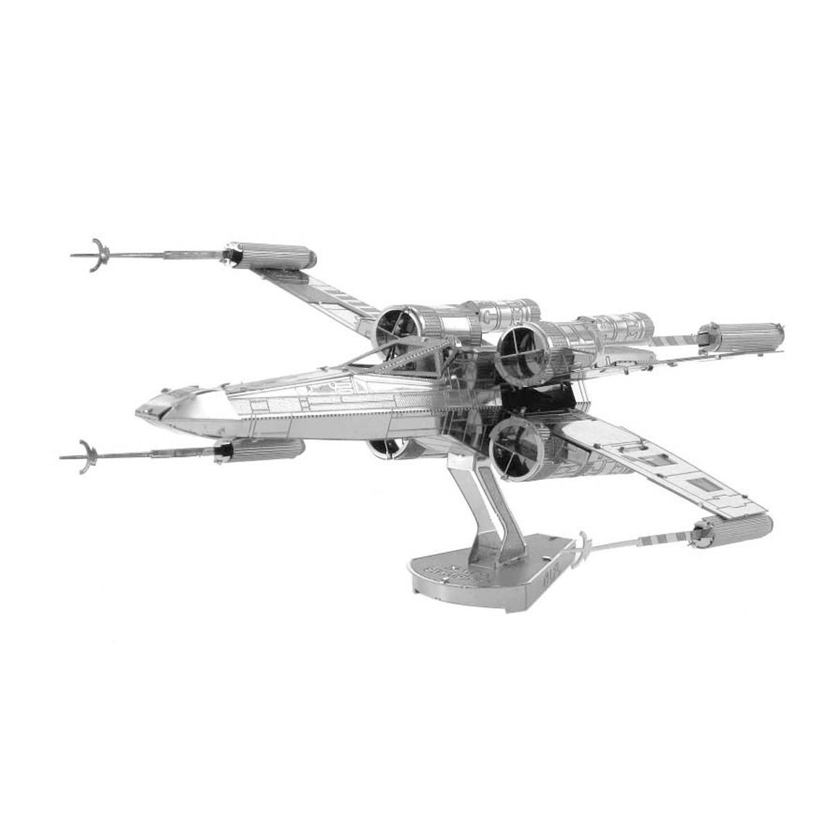 Kovový model X-Wing stíhačka